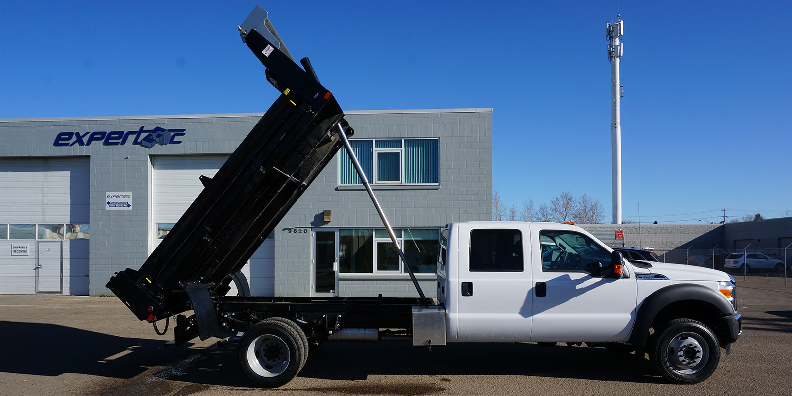 Flat Decks Dump Bodies And Truck Beds For Work Pickup Trucks